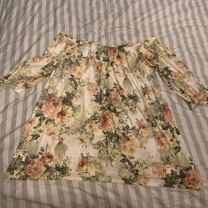 PinkBlush 1x Ivory Floral Off Shoulder Top NWT